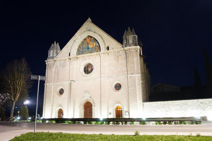 Residenza con appartamenti vicino ad Assisi