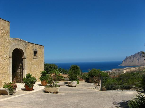 Hotel 3 stelle vicino San Vito Lo Capo - Antica Residenza di Valderice