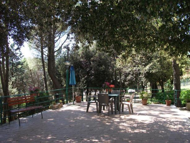 Area esterna B&B a Corciano ideale per relax