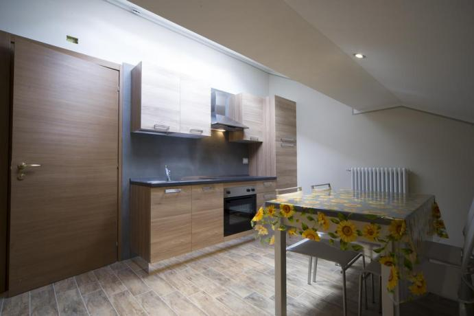 Appartamento-vacanze bilocale 1piano Bardonecchia uso cucina