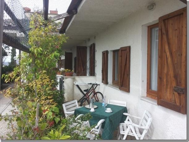Residenza Podere casa-vacanza trilocale veranda arredata Magione-Perugia