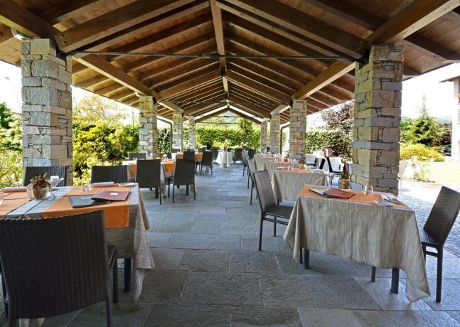 Sala Ristorante Hotel4Stelle Armeno vicino Laghi