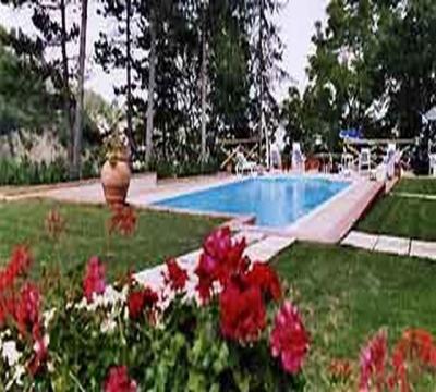 Appartamenti vacanza piscina villa Marche