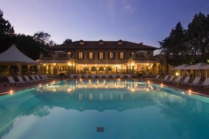 hotel4stelle-vicinomilano-fierarho-ristorante-meeting-cerimonie-piscina-esterna-villanerviano