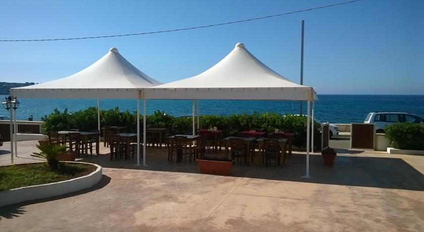 Spiaggia convenzionata a pochi passi dall'Hotel