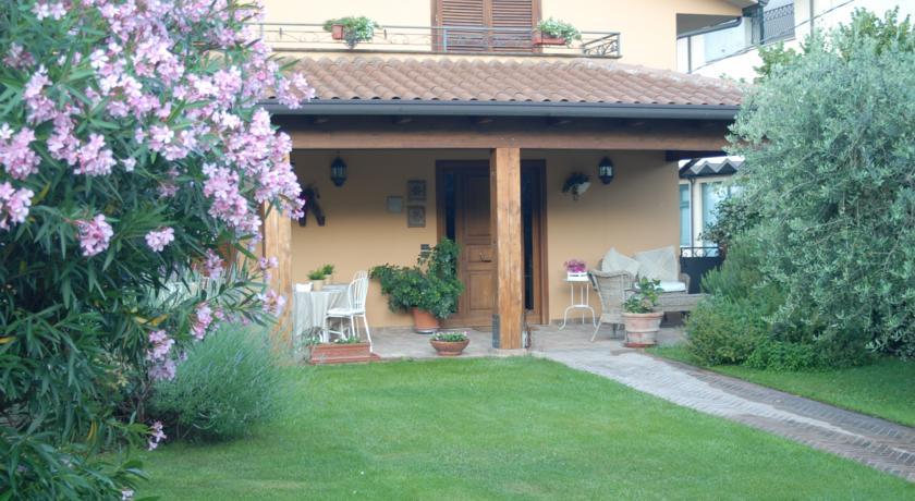 Camere piano terra ingresso dal giardino