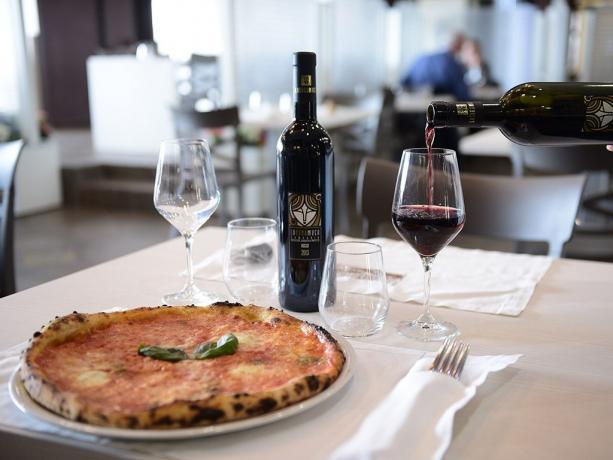 Ristorante con pizzeria hotel 4stelle Battipaglia