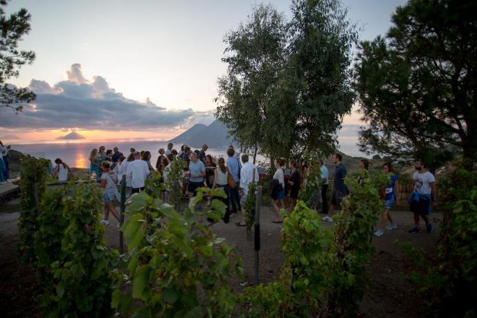 Relais a Lipari con cene degustative cantina Sicilia