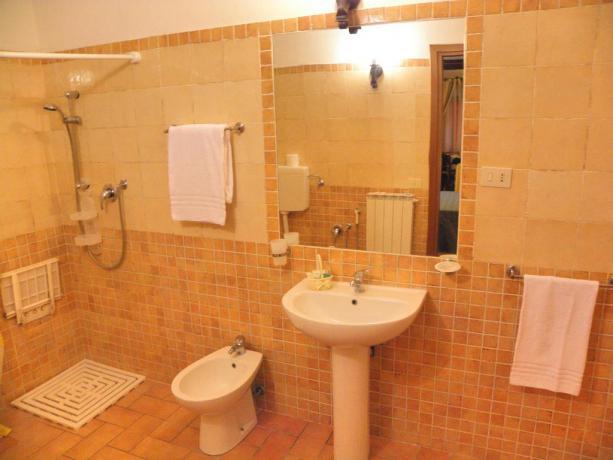 Appartamenti con Bagno Privato in Agriturismo a Gubbio