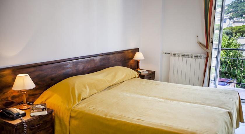 Hotel Porto  di Ischia camera Matrimoniale