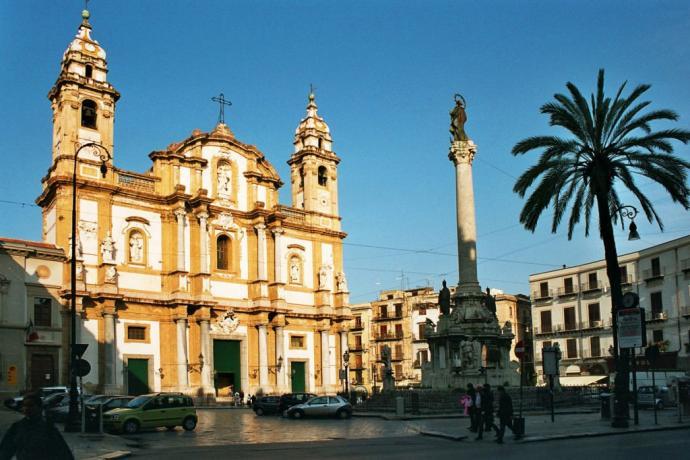Hotel 4 stelle nel centro storico di Palermo