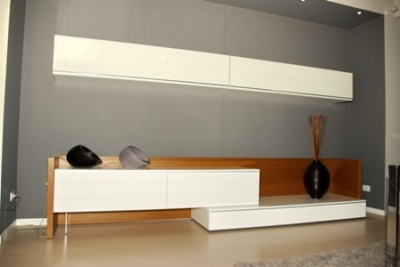 Offertissima ex mostra: parete soggiorno moderna laccata lucida teak.