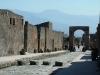 The street -La via dell'abbondanza- in Pompei