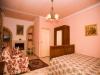 Camera da letto con divano letto aggiunto