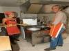 Carlo e Martina in cucina a Monestevole